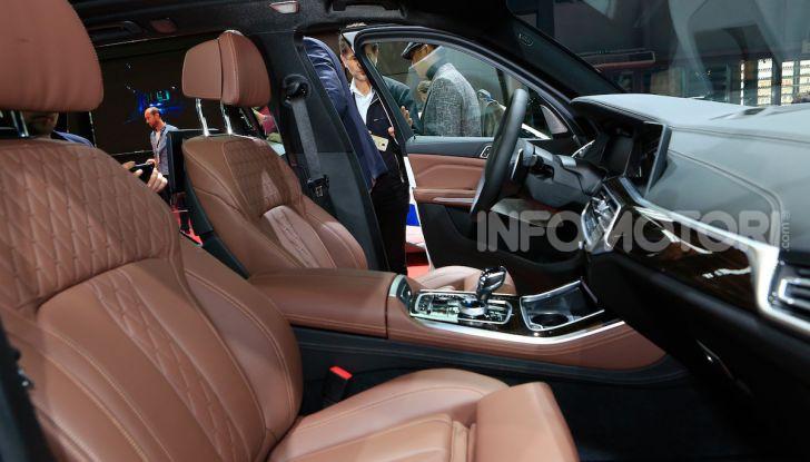 BMW X5, la quarta generazione debutta su strada - Foto 16 di 23