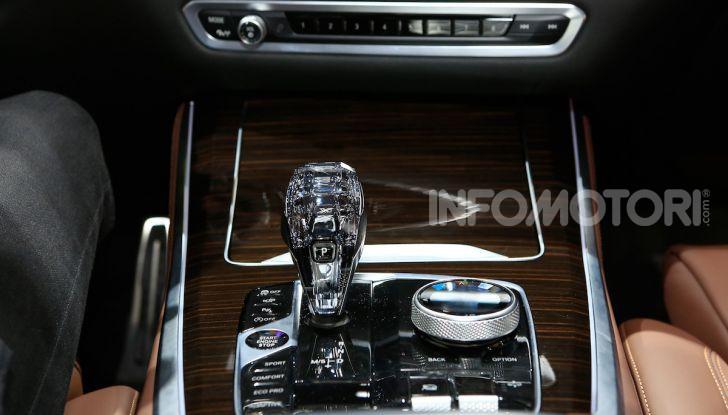 BMW X5, la quarta generazione debutta su strada - Foto 19 di 23