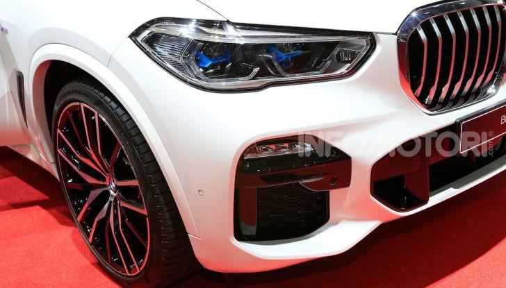BMW X5, la quarta generazione debutta su strada - Foto 3 di 23