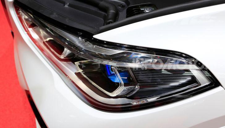BMW X5, la quarta generazione debutta su strada - Foto 8 di 23