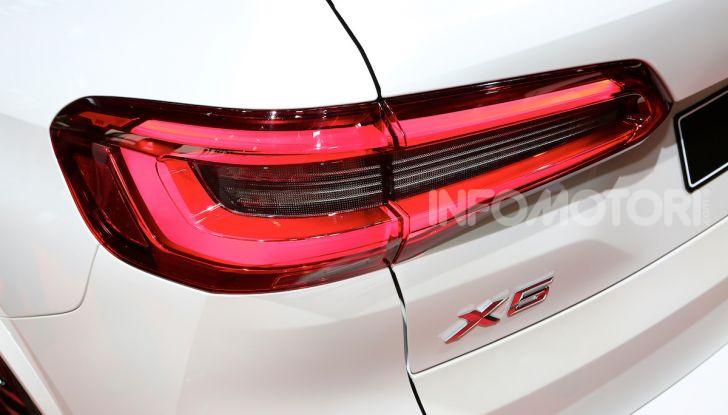 BMW X5, la quarta generazione debutta su strada - Foto 12 di 23