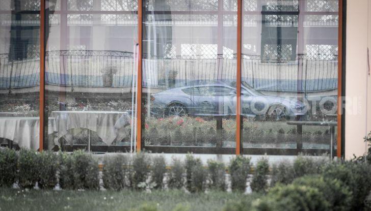 Nuova Bentley Continental GT 2018: la prova della Gran Turismo perfetta - Foto 22 di 48
