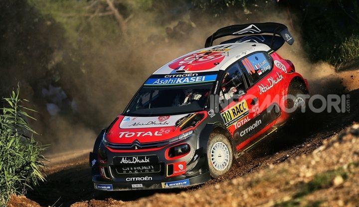 WRC Spagna 2018: un Rally, una sfida. Il ricordo della prima vittoria di Loeb con Citroën nel 2005 - Foto 3 di 4