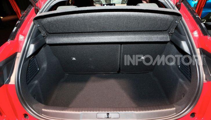 DS 3 Crossback, il SUV urbano ibrido ed elettrico - Foto 15 di 18