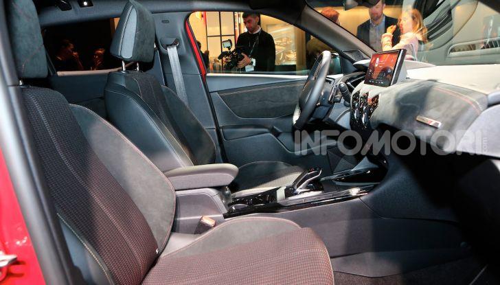 DS 3 Crossback, il SUV urbano ibrido ed elettrico - Foto 9 di 18