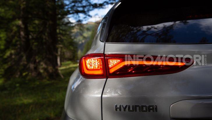 Hyundai Kona EV, test drive del SUV elettrico - Foto 7 di 18
