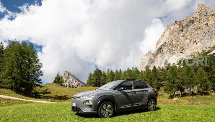 Hyundai Kona EV, test drive del SUV elettrico - Foto 16 di 18