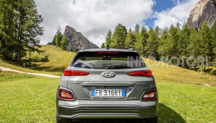 Hyundai Kona EV, test drive del SUV elettrico - Foto 11 di 18