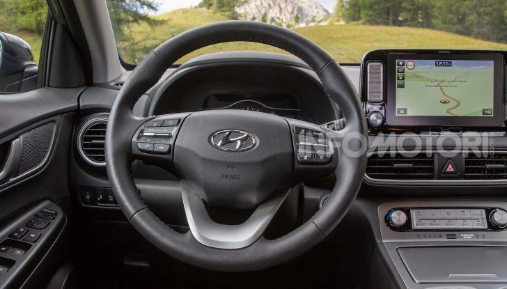 Hyundai Kona EV, test drive del SUV elettrico - Foto 13 di 18
