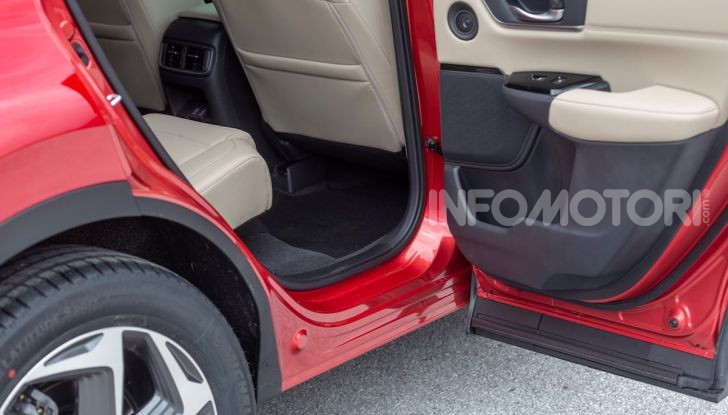 Nuova Honda CR-V 2018, la prova del SUV nipponico con motore V-TEC - Foto 12 di 27