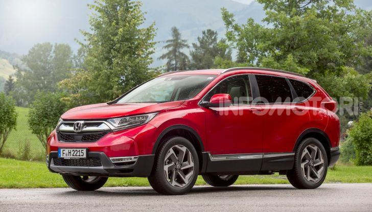 Nuova Honda CR-V 2018, la prova del SUV nipponico con motore V-TEC - Foto 1 di 27
