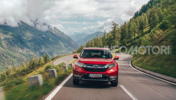 Nuova Honda CR-V 2018, la prova del SUV nipponico con motore V-TEC - Foto 26 di 27