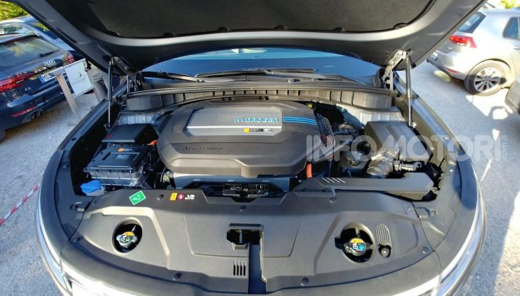 Prova Hyundai Nexo 2018: Il SUV a Idrogeno è già presente - Foto 9 di 9