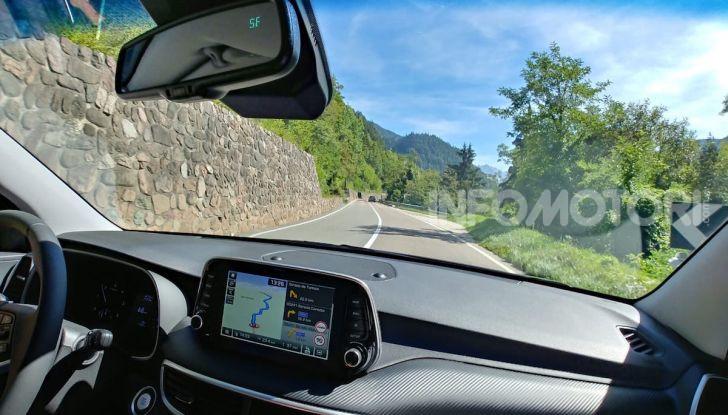 Prova Hyundai Nexo 2018: Il SUV a Idrogeno è già presente - Foto 6 di 9