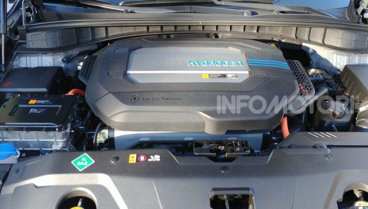 Hyundai Nexo da record: 778 km con un pieno di idrogeno - Foto 7 di 9