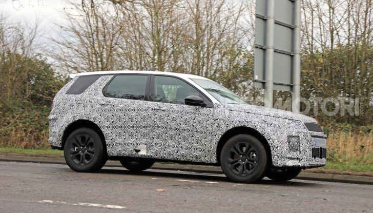 Land Rover Discovery Sport 2020: facelift ibrido ad alta tecnologia - Foto 17 di 29