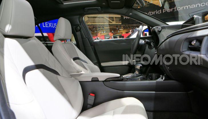 Lexus UX 2018, il crossover cittadino del marchio nipponico - Foto 12 di 13