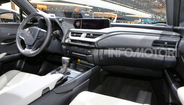 Lexus UX 2018, il crossover cittadino del marchio nipponico - Foto 13 di 13