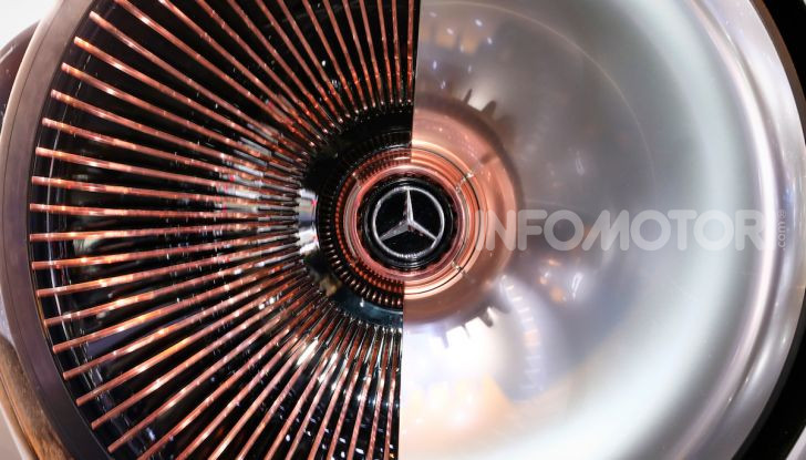 Mercedes Vision EQ Silver Arrow Concept - Foto 6 di 24