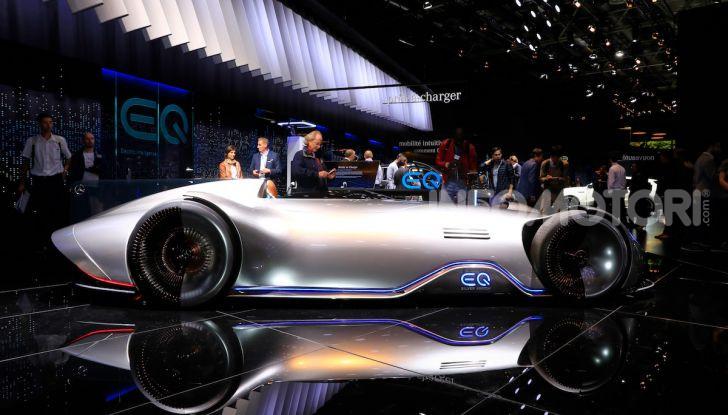 Mercedes Vision EQ Silver Arrow Concept - Foto 10 di 24