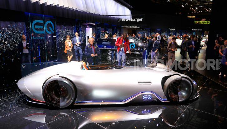 Mercedes Vision EQ Silver Arrow Concept - Foto 4 di 24