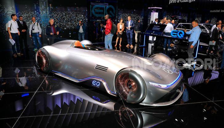 Mercedes Vision EQ Silver Arrow Concept - Foto 23 di 24