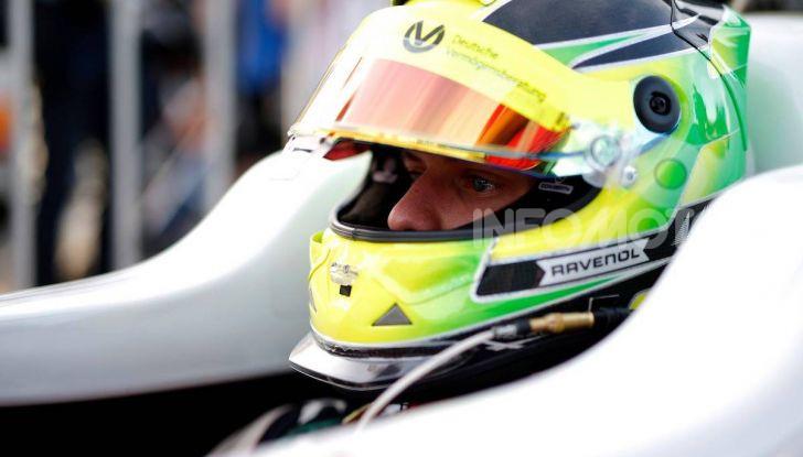 Mick Schumacher debutta in Formula 1 con la Ferrari SF90 - Foto 17 di 28