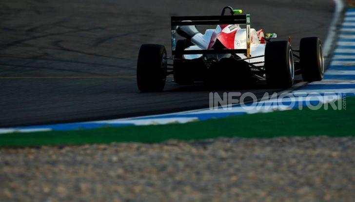 Mick Schumacher debutta in Formula 1 con la Ferrari SF90 - Foto 18 di 28