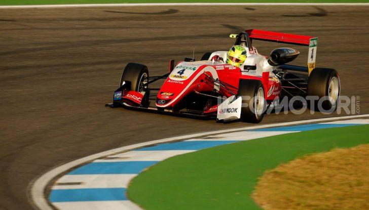 Nel nome del padre: Mick Schumacher è Campione di Formula 3 - Foto 20 di 28