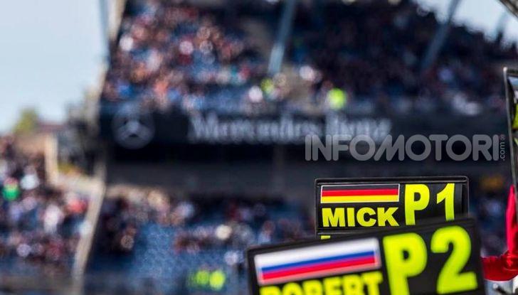 Mick Schumacher debutta in Formula 1 con la Ferrari SF90 - Foto 4 di 28