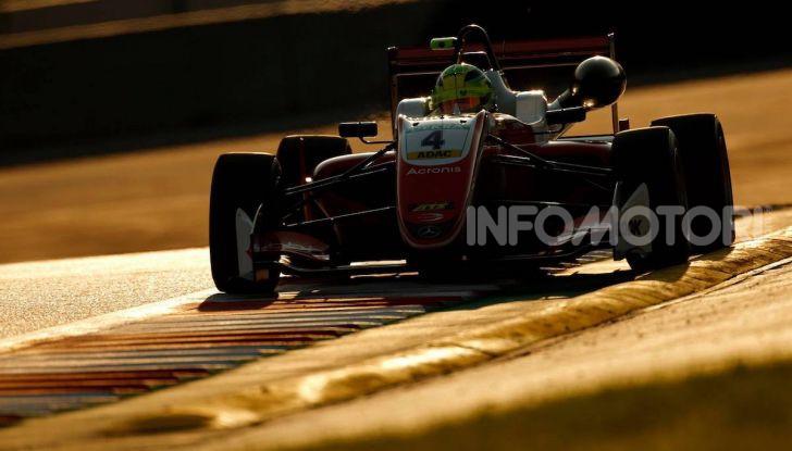 Mick Schumacher debutta in Formula 1 con la Ferrari SF90 - Foto 9 di 28
