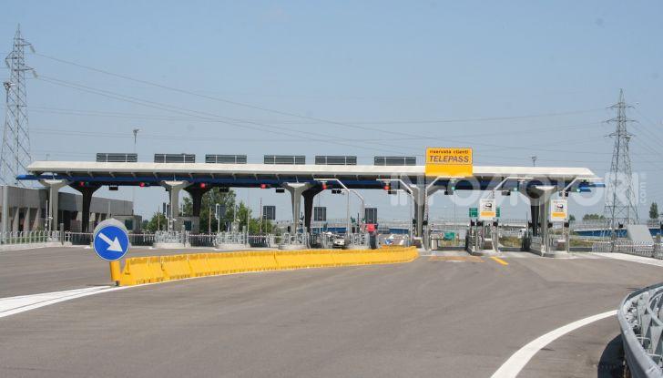 Elude il pedaggio autostradale per 167 volte: condannato a 4 mesi di reclusione - Foto 2 di 7