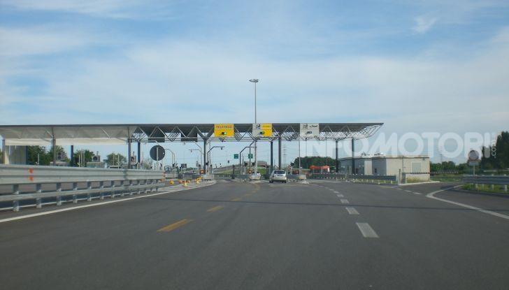 Elude il pedaggio autostradale per 167 volte: condannato a 4 mesi di reclusione - Foto 4 di 7