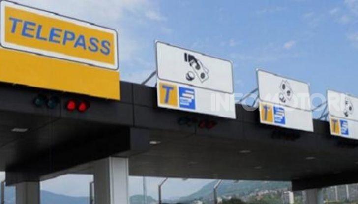 Elude il pedaggio autostradale per 167 volte: condannato a 4 mesi di reclusione - Foto 5 di 7