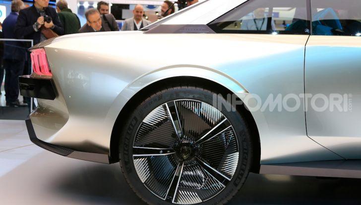Peugeot e-Legend Concept, l'elettrica a guida autonoma del futuro - Foto 15 di 16