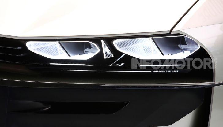 Peugeot e-Legend Concept, l'elettrica a guida autonoma del futuro - Foto 2 di 16