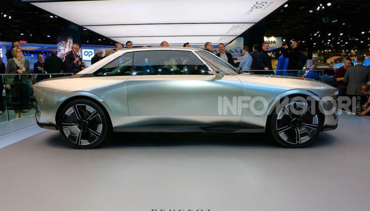 Peugeot e-Legend Concept, l'elettrica a guida autonoma del futuro - Foto 8 di 16