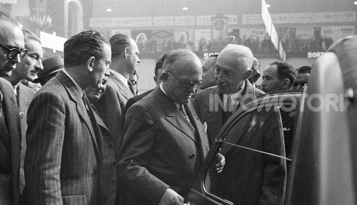 3 ottobre 1948: la presentazione della Citroën 2CV al Salone di Parigi - Foto 1 di 7