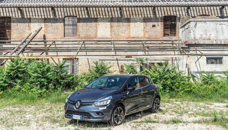 Renault Clio Duel 2018: Prova su strada della best-seller italiana con 90 CV - Foto 31 di 36