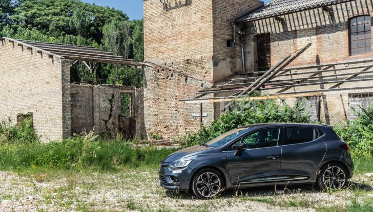 Renault Clio Duel 2018: Prova su strada della best-seller italiana con 90 CV - Foto 3 di 36