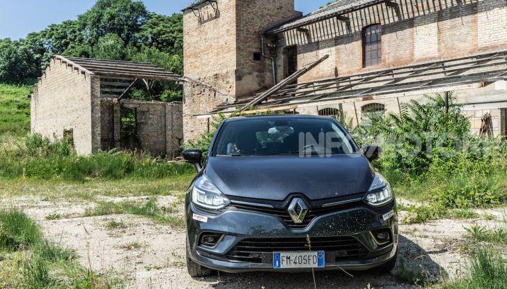 Renault Clio Duel 2018: Prova su strada della best-seller italiana con 90 CV - Foto 32 di 36