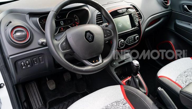 Renault Captur Tokyo Edition: l'auto che si compra sui social con Garage Italia - Foto 12 di 38