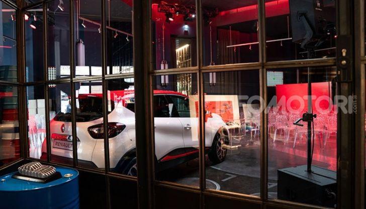 Renault Captur Tokyo Edition: l'auto che si compra sui social con Garage Italia - Foto 26 di 38