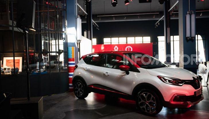 Renault Captur Tokyo Edition: l'auto che si compra sui social con Garage Italia - Foto 3 di 38