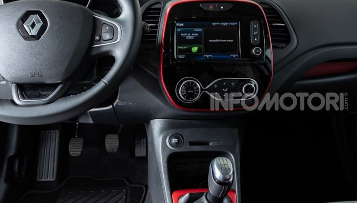 Renault Captur Tokyo Edition: l'auto che si compra sui social con Garage Italia - Foto 7 di 38