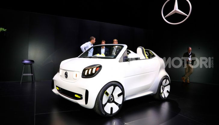 Smart forease, city car open air su base smart EQ fortwo cabrio - Foto 1 di 20
