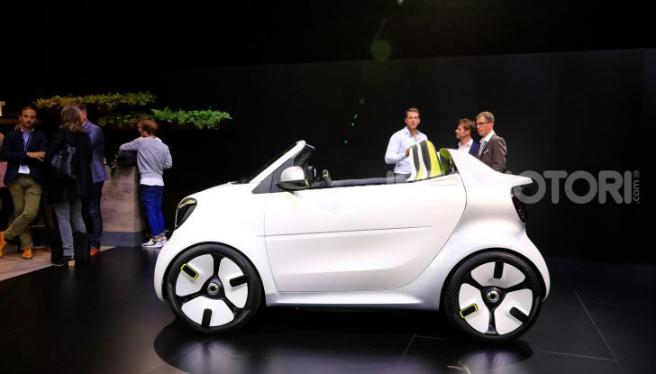 Smart forease, city car open air su base smart EQ fortwo cabrio - Foto 16 di 20