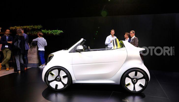 Smart forease, city car open air su base smart EQ fortwo cabrio - Foto 16 di 20