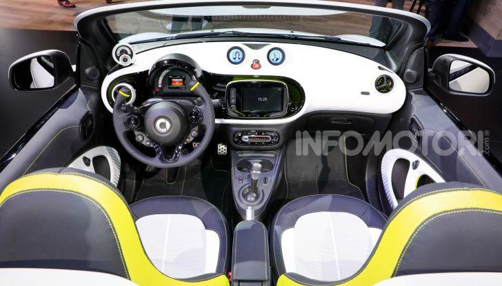 Smart forease, city car open air su base smart EQ fortwo cabrio - Foto 11 di 20