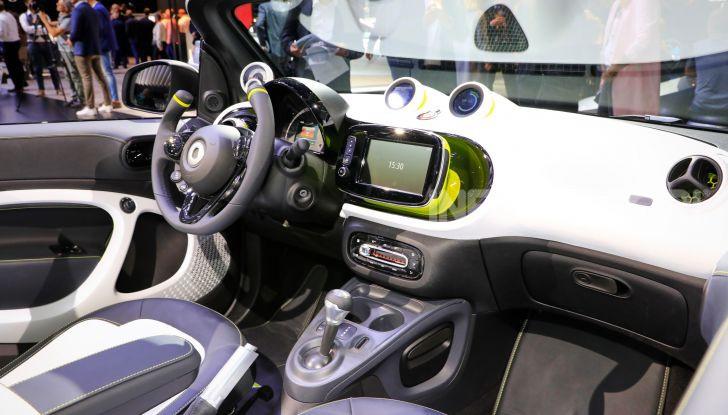 Smart forease, city car open air su base smart EQ fortwo cabrio - Foto 17 di 20